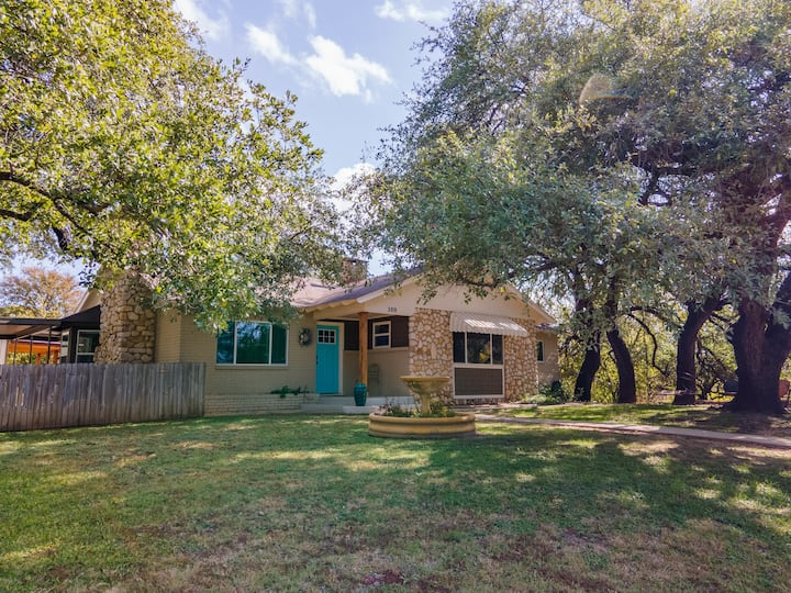 Hearsay Hideaway in Historic Glen Rose, Texas