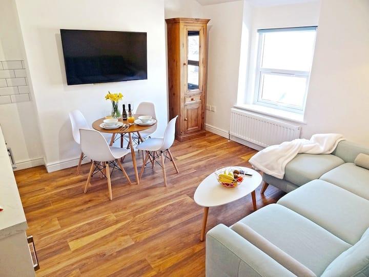 Great Orme Apartment by Seaside Llandudno