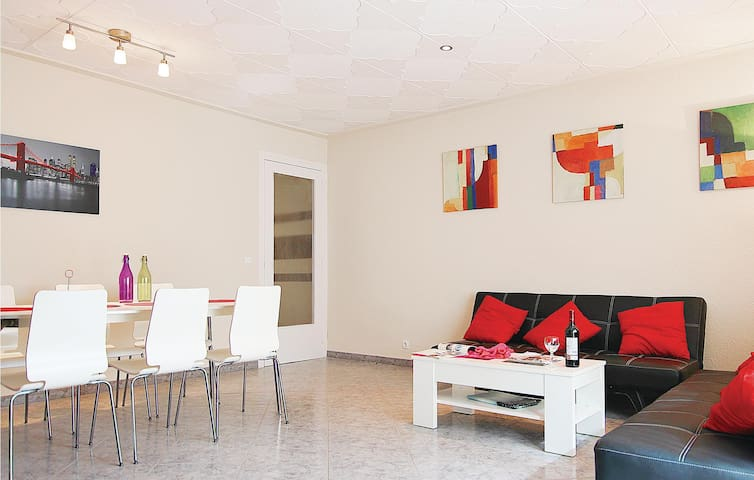 Holiday apartment with 3 bedrooms on 120m² in Blanes