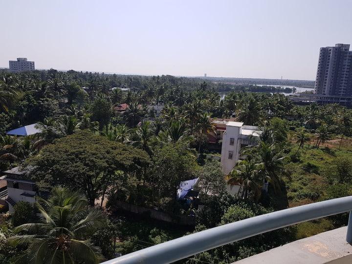Maradu cochin 7th floor no noiseLakeview