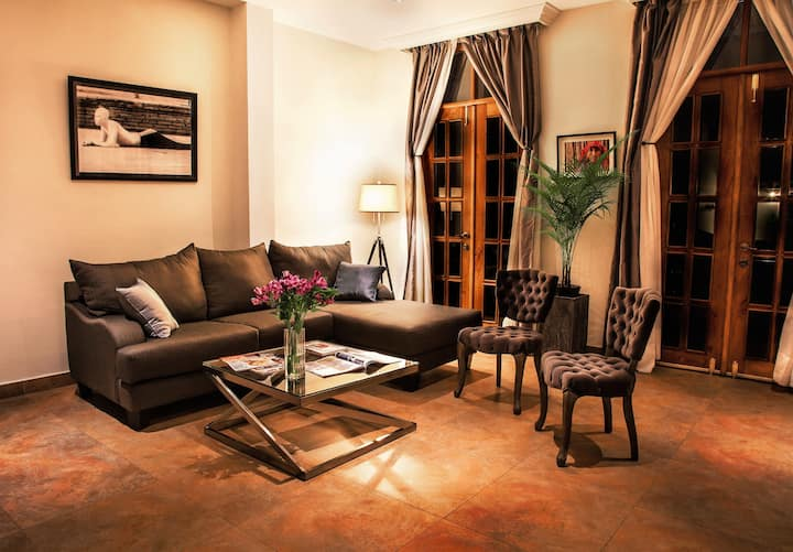 Heart of the Old Town: Unique Boutique ApartHotel