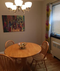 Spacious, 2BR apartment in Sandy Hill - Ottawa