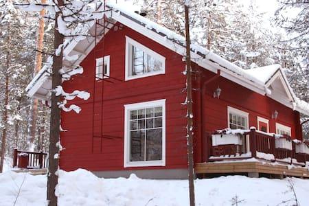 Heidihaus   Metsotalo