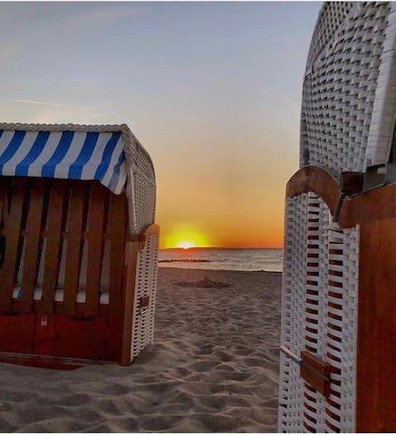 DOCK 8 Strande: 50m  zur Promenade u. Sandstrand