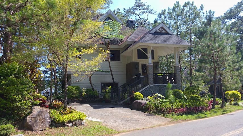 Country Home - G3  (4BR/13-15 pax) - Baguio - Casa