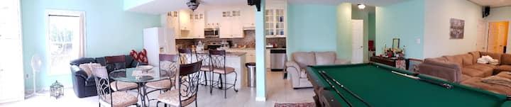 Private Basement Apartment - Aldie Farm Estate