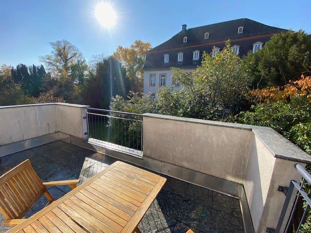 Sonnige 1-ZKB Wohnung mit Terrasse in Rheinnähe