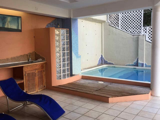 Newbury Hill Apartment, Glencoe, with pool. - Port of Spain