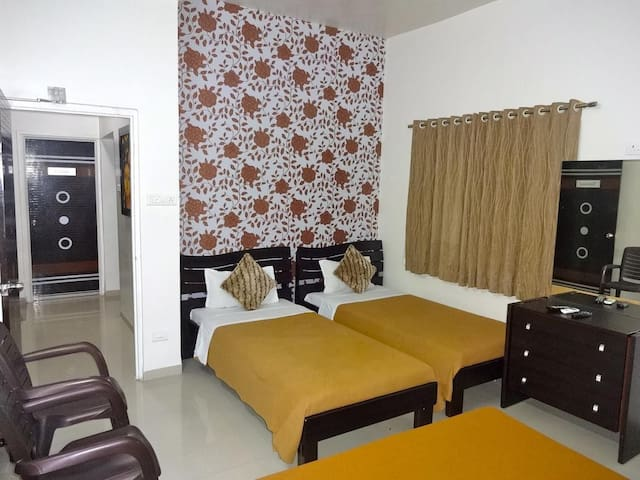 Teerth Villa | Deluxe AC Triple Room
