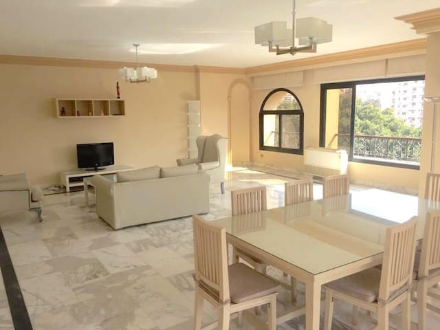 Lovely and cozy apartment in Maadi - Cairo  - Lejlighed