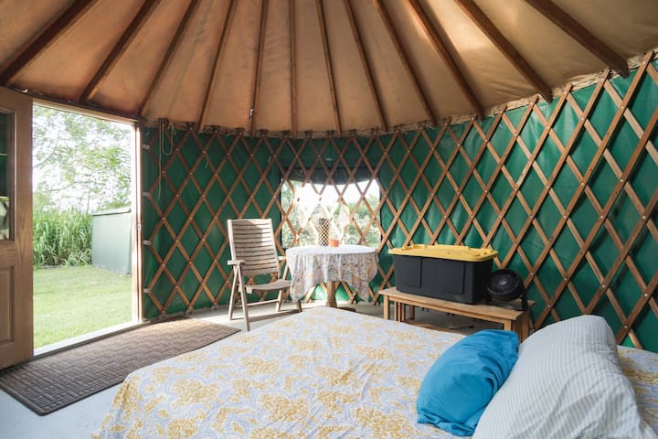 Yurt Waihuena Farm  MONTHLY bookings only