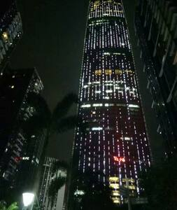 KKmall楼上,温馨一室一厅~【美丽的夜景和便利的交通】 - Shenzhen - Lejlighed