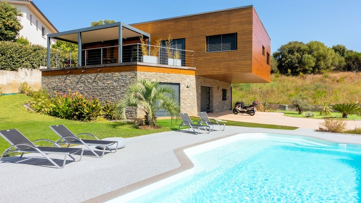 Ajaccio, chambre avec piscine et parking