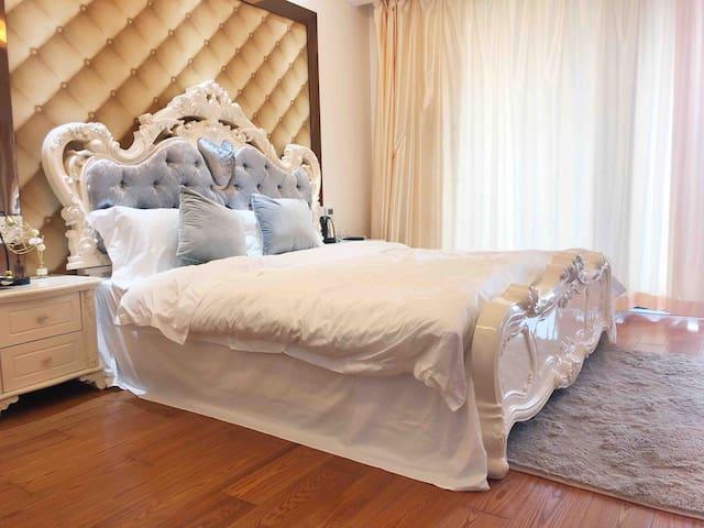 归宿:台州首家婚纱民宿,欧式大床房带阳台