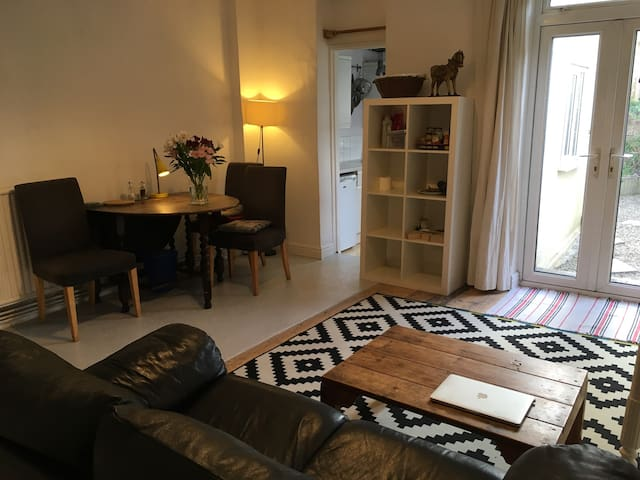 Attractive Double Room in a Shared House