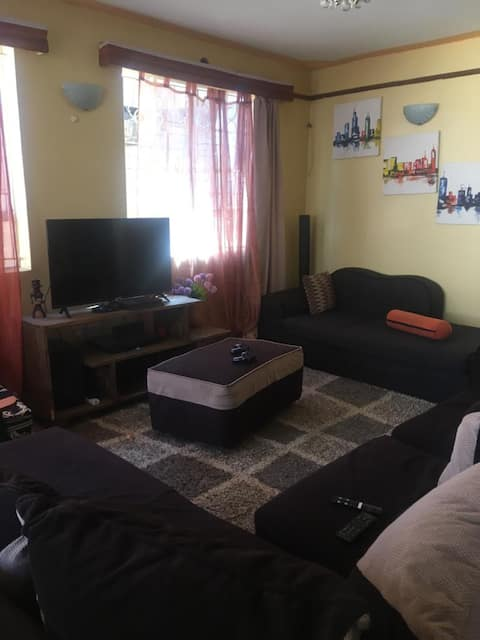 Cosy, spacious bungalow long Thika Road
