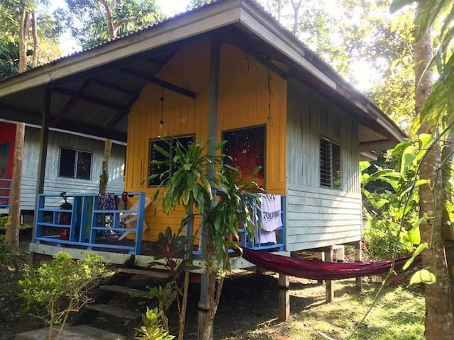 Chill Out Triple Bungalow for 3, Tonsai Beach