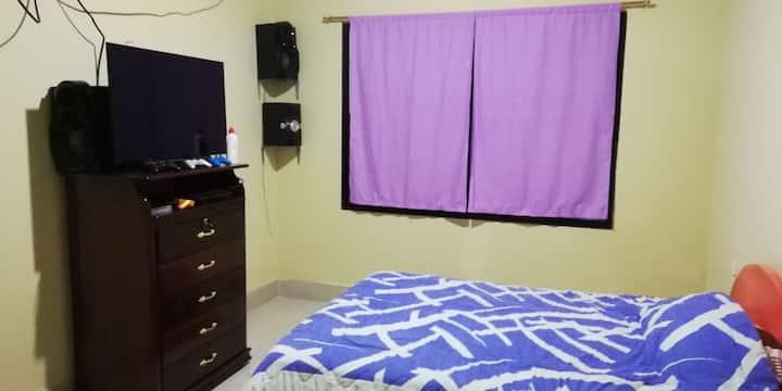 Apartamento amoblado, cocina, comedor y lavandería