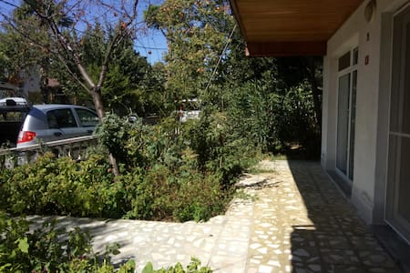 3 + 1 Guarded Villa, Big Garden Close to the Beach