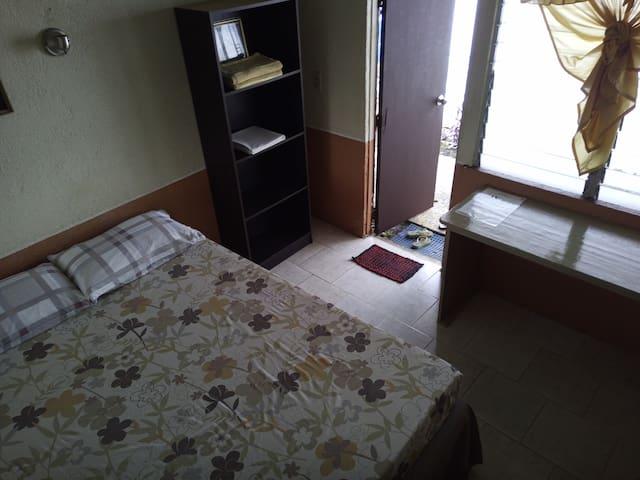 Secret Garden Hostel. Standard Room 1. Dalaguete.