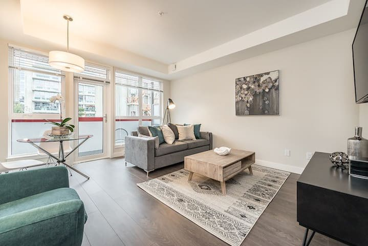 NEW and TRENDY Downtown Victoria 1 Bedroom Condo