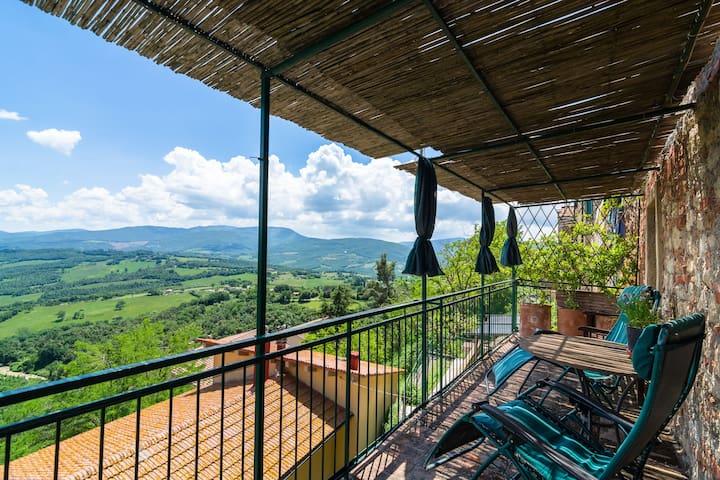 Haus in Montecastelli Pisano (Toskana) mit Balkon, Aussicht