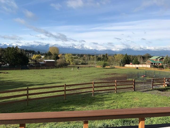 Mountain views and sunsets at Saddle Bear Ranch