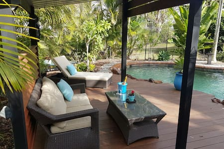 Reddie Bay Villa - relax in QLD style & comfort - Redland Bay - วิลล่า