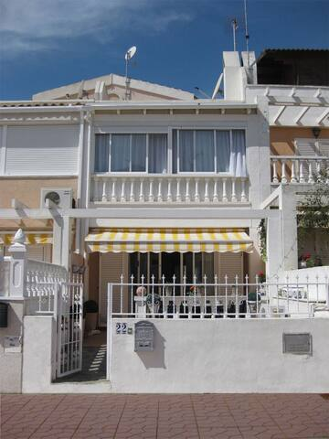 2 bedroom house in Guardamar