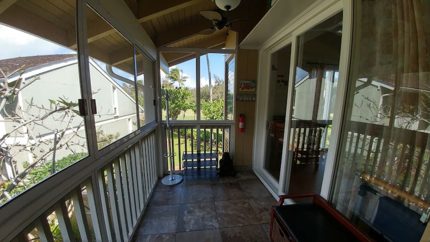 Immaculate, open, & upscale Turtle Bay condo (138)