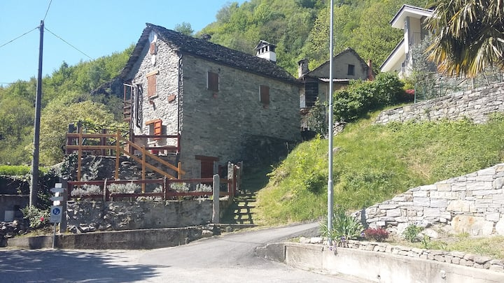 La Casetta del Bosco-Holiday home in the nature