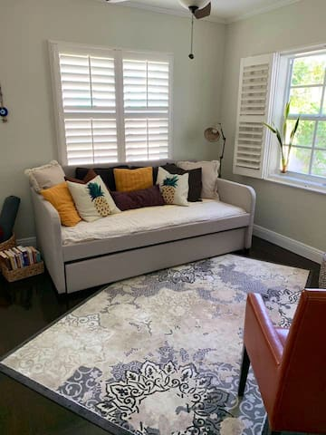 Bohemian Bungalow in Historic Old Northwood