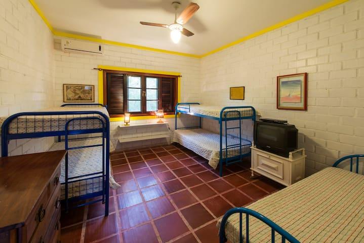 Dormitório 5 camas