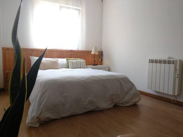 Cama doble - con posibilidad de cuna y cama individual