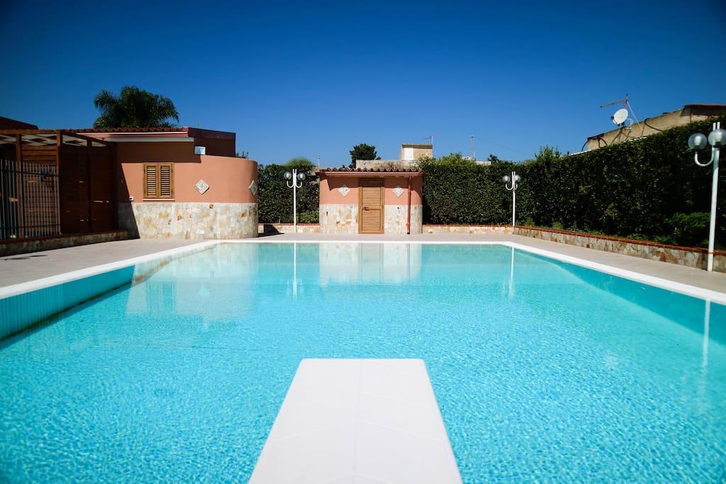 Villa arenella con piscina ville in affitto a arenella - Villa con piscina sicilia ...