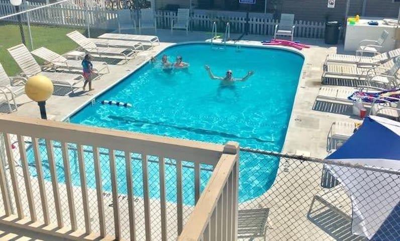 Time N Tide Condo - 2 BR w/Pool, Boardwalk/Beach