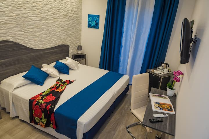 B&B Elegance, Room with balcony Taormina center