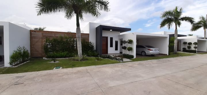 Villa For 7  People In The Center Of Punta Cana