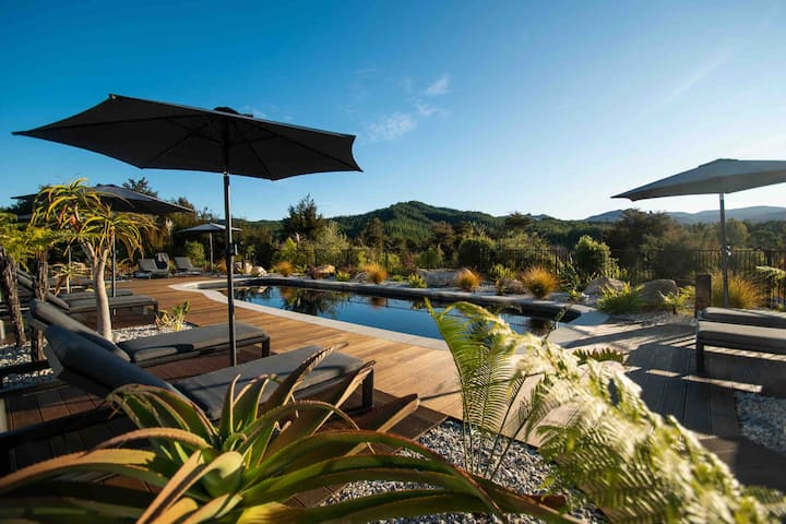 Kaiteriteri Hills & Pool Apartment