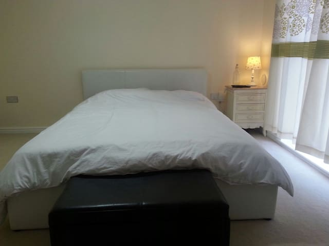 Large Double Room near Bath & Longleat - Trowbridge, England, GB - Casa