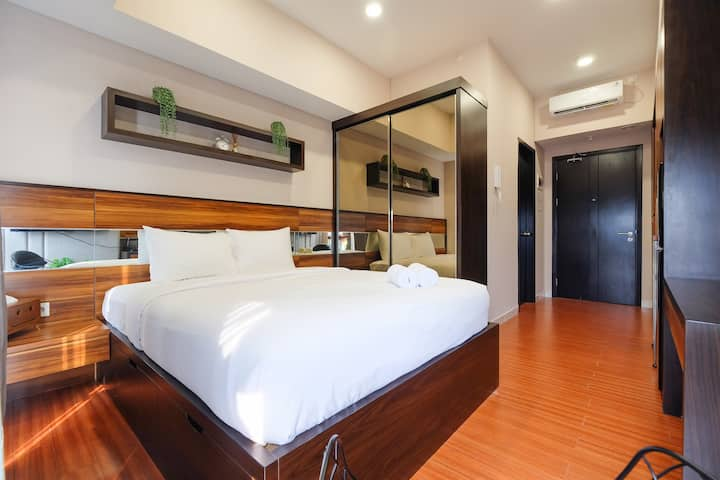 Luxurious Studio Apartment at Casa De Parco