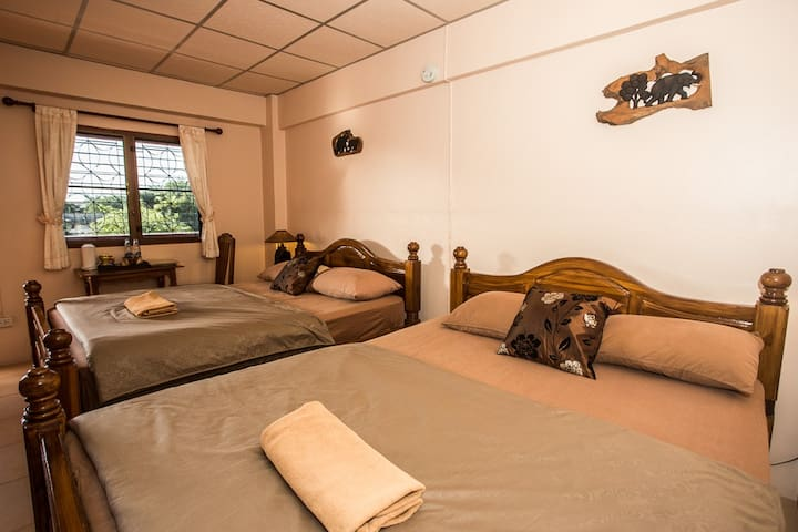 Comfy Room with 2 beds @ Promtong Mansion - Phra Nakhon Si Ayutthaya
