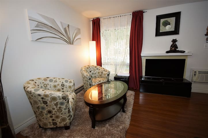 Cozy 2 bedroom townhouse in Charleswood