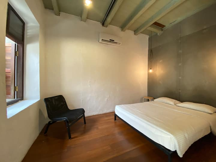 The Frame - Spacious Double Room, Heritage Stay
