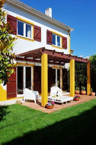 Charming country house near Óbidos, beaches, golfe - Óbidos - Huvila