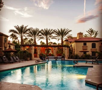 Best Location Old Town Scottsdale/On the Greenbelt - Apartment