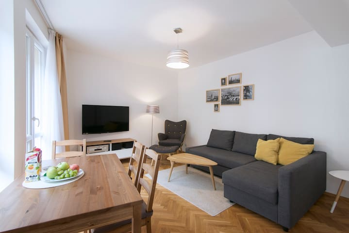 50% off Prague Home Office, Fast WiFi+Full Kitchen