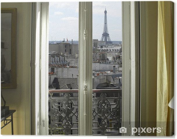 Paris Eiffel Tower Charming Room
