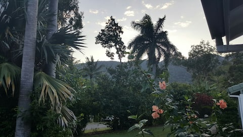 Private Couples Retreat in Tropical Gardens