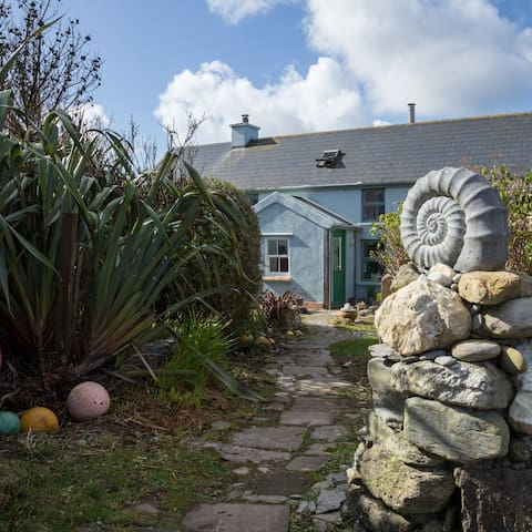 Shore Cottage on the Beara Way, Wild Atlantic Way.